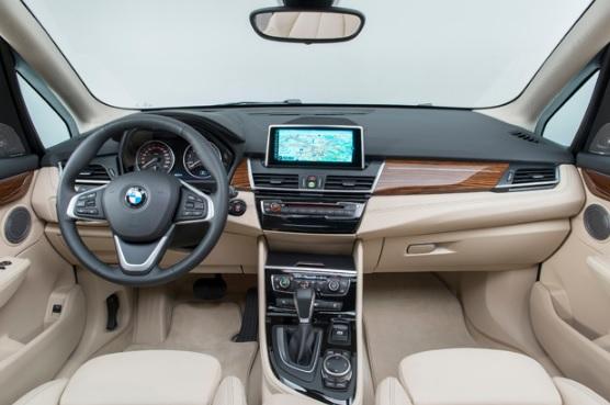 新型 BMW 2シリーズ アクティブツアラー